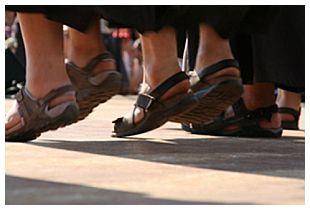 Sandali per frati e suore