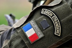 NL16 - 3 - legione straniera - 2 mostrina