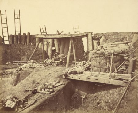 Interno del Taku North Fort in Cina, immediatamente dopo la presa da parte delle truppe Anglo-Francesi (1860)