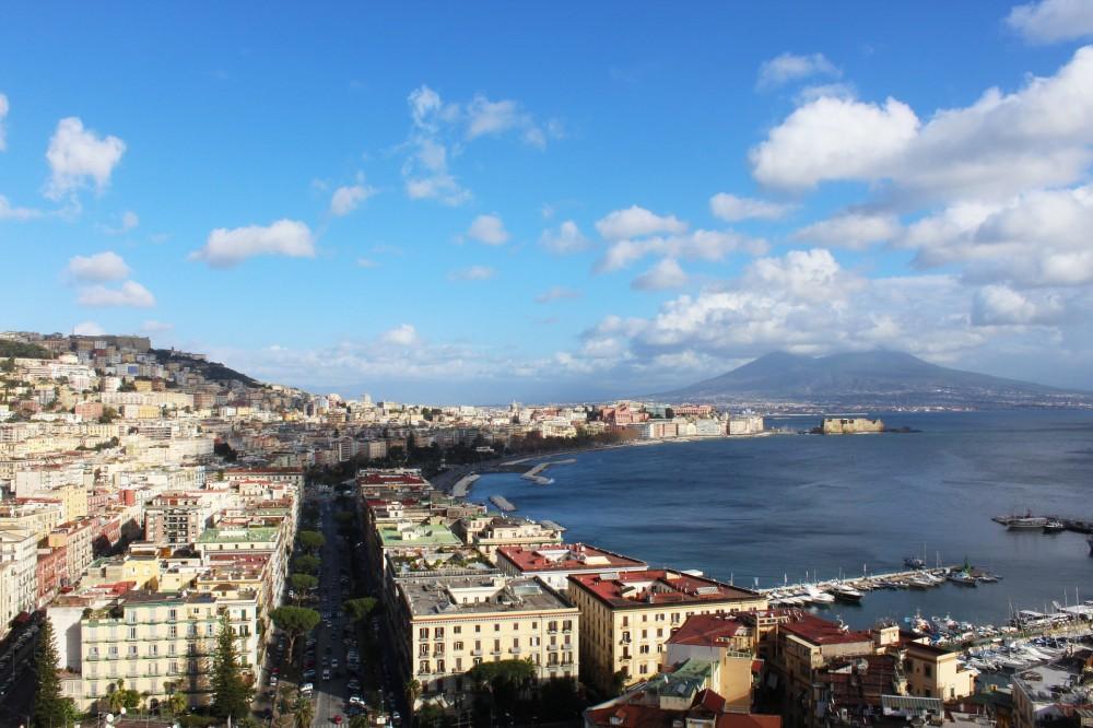Napoli - (Immagine di guglielmodesign su Pixabay)