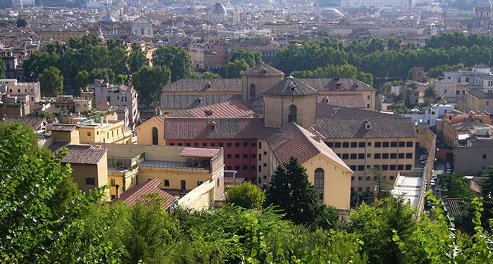 ROMA – Al numero 29 di via della Lungara 'na campana sona a tutte l'ore