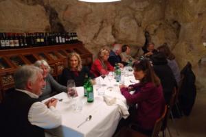 A cena da Baccanti nei Sassi 1