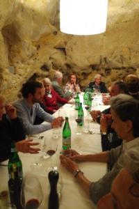 A cena da Baccanti nei Sassi